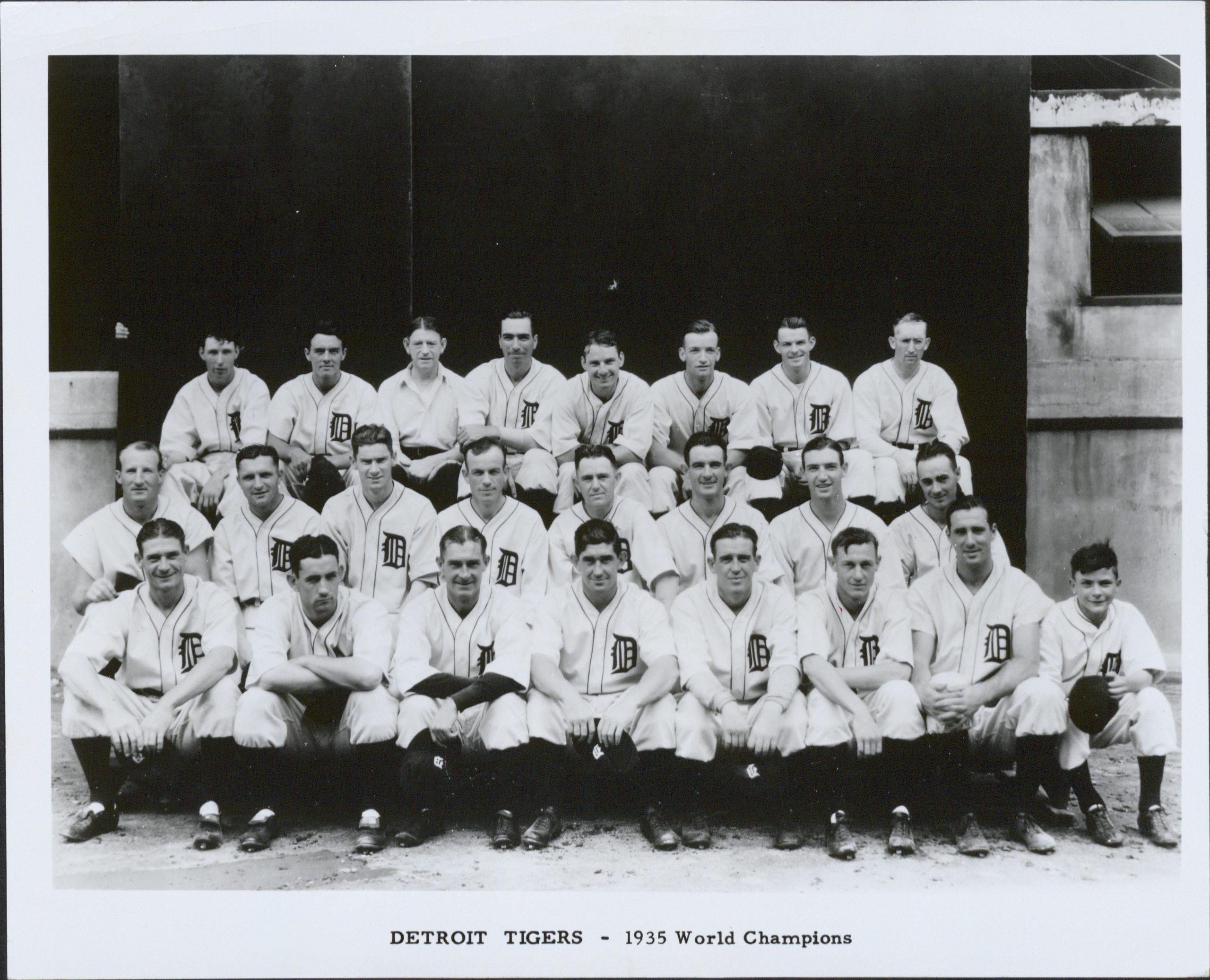 Old photo of baseball team